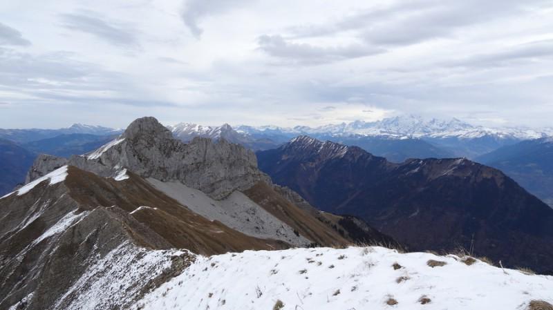 La Sambuy, le Mont Blanc dans les nuages (11h45)