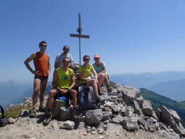 La fine équipe au sommet