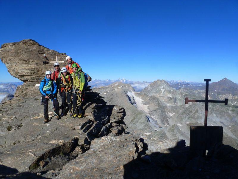 La joyeuse troupe au sommet de la Pointe Ferrand (3365 m)
