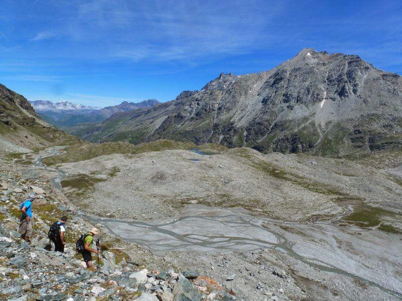 Les petis lacs Blancs devant les dents d'Ambin (au centre) et l'impressionnant Mont d'Ambin