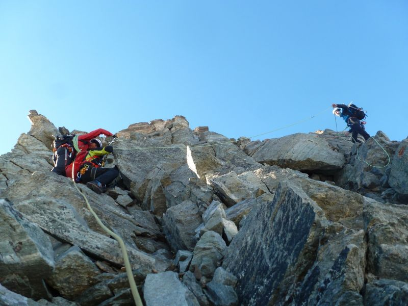 Vient les pas de déescalade afin de rejoindre le glacier Ferrand.